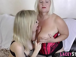 Granny loves to lick pussy really hard