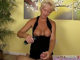 Mature blonde gives a nice handie