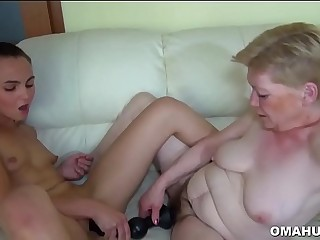 Sexy Mature Loves Pussy Licking and Cock Fucking