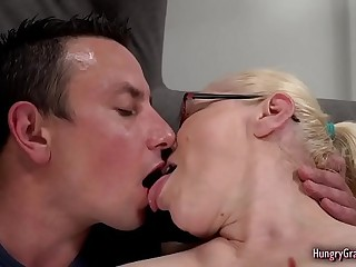 Granny with thick tits enjoys hardcore sex