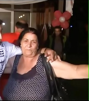 Tetas de una suegra Lusty Golden Colombia