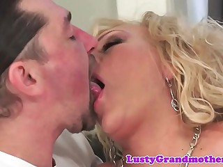 Amateur grandma fucked hard and jizzed on