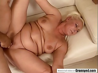 Chubby granny has dripping wet beaver