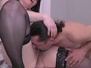 Sexy aged mothers takes youthful jocks
