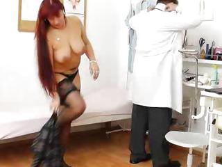 Plump redhead receives a gyno