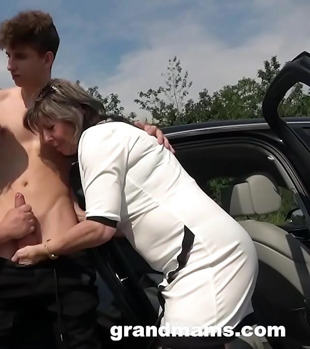 2 Grannies Just Fucked Me in Public!