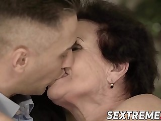 Promiscuous grandma rails shaft until juicy facial reward