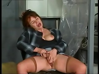 German Granny anal fucked in a Garage