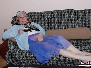 OmaHoteL Sextoys and Granny Photos in Slideshow