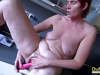 OldNannY Hairy Mature Pussy Toying and Pissing