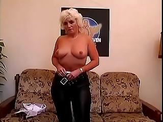 euro granny masturbation