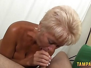 Horny granny gives amazing blowjob with handjob