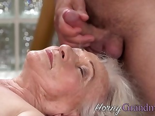 Granny gets facialized after sucking dick